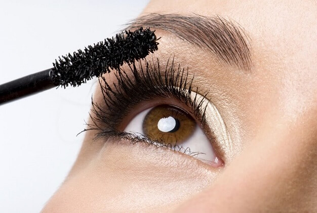9 Eyelash Enhancer Tips For Charming Beauty
